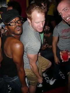 badoo tramite facebook giovani gay sesso