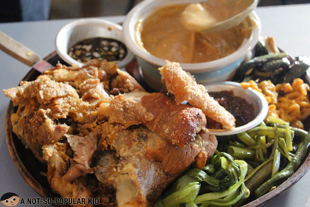 Pata Kang Kare-Kare Ka Filipino Food