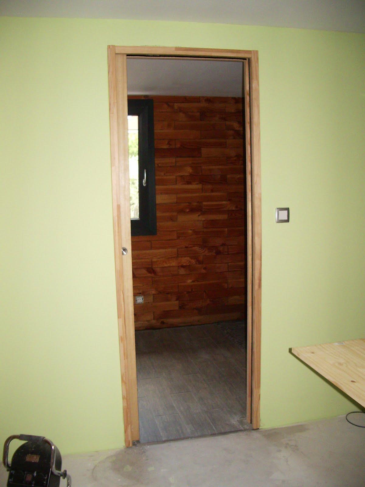 Ma maison en parpaings de bois bvb chambre coucher - Habillage porte galandage ...