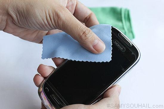تعلّم كيف تنظف هاتفك الذكي بنفسك.. خطوات بسيطة