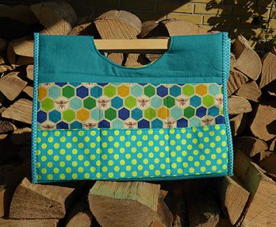 God rummelig taske med træhåndtag i bomuld/hør