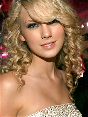 Taylor Swift Natural Hair, Long Hairstyle 2011, Hairstyle 2011, New Long Hairstyle 2011, Celebrity Long Hairstyles 2011
