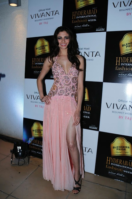 Miss-india-Simran-Kaur-Mundi-international-fashion-week-2012+(9).jpg