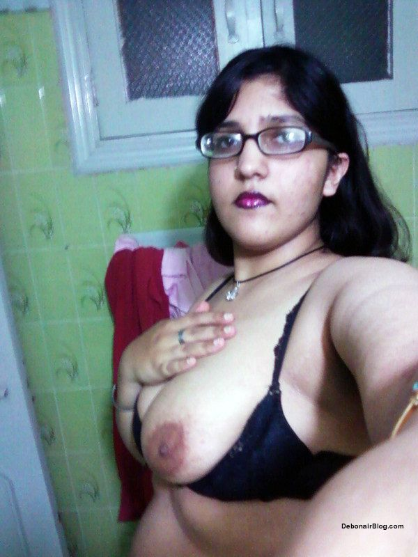 nepali girls naked photo in shower