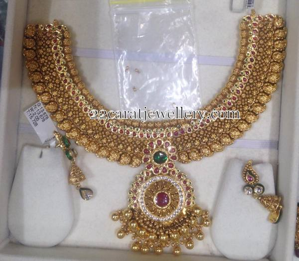 130 Grams Gold Set with Simple Earrings