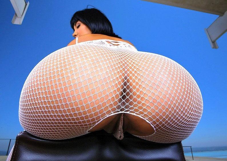 Nackt Bilder : Ein ziemlich kurvenreiches Gesäß   nackter arsch.com
