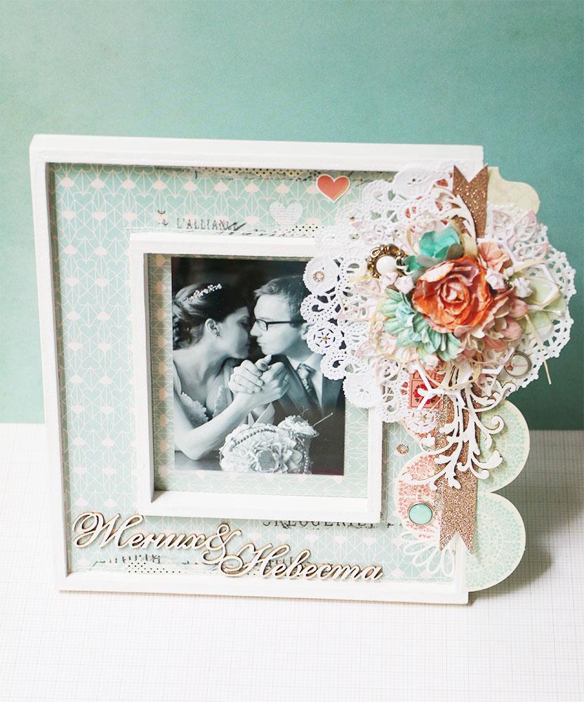 Красивая и яркая свадебная рамка для фотографии.