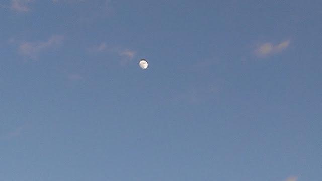 moon same time sunset