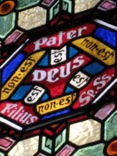 Scutum Fidei. Detalle vidriera Catedral de Barcelona