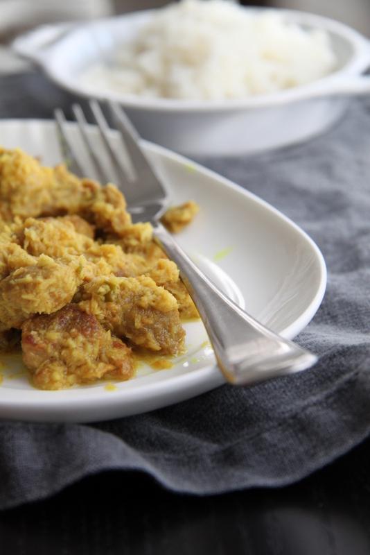 Mięso z wiórkami kokosowymi, imbirem i chilli