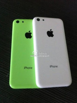 iPhone de bajo costo verde y blanco