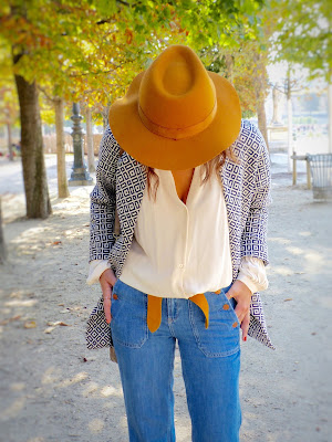chapeau jaune blouse jean