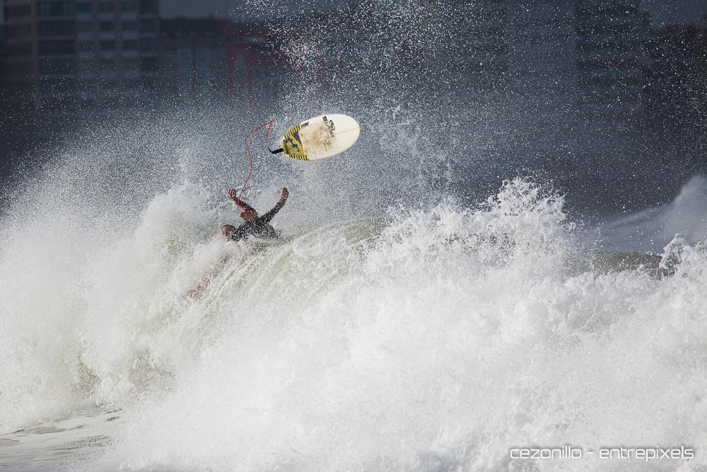 Carlos Caicoya Surf en Gijón
