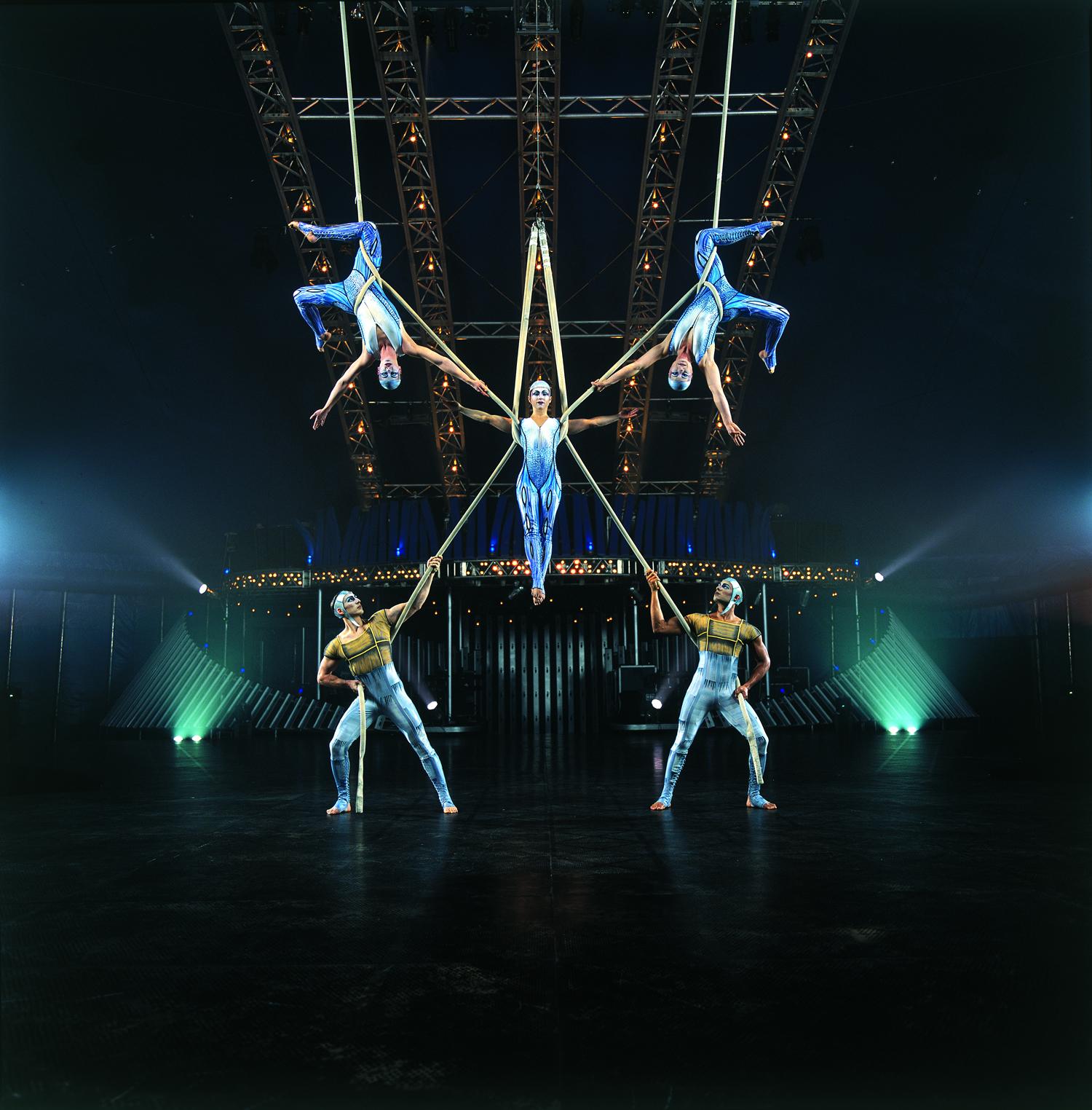 Cirque Du Soleils Quidam Carries Audience Off To