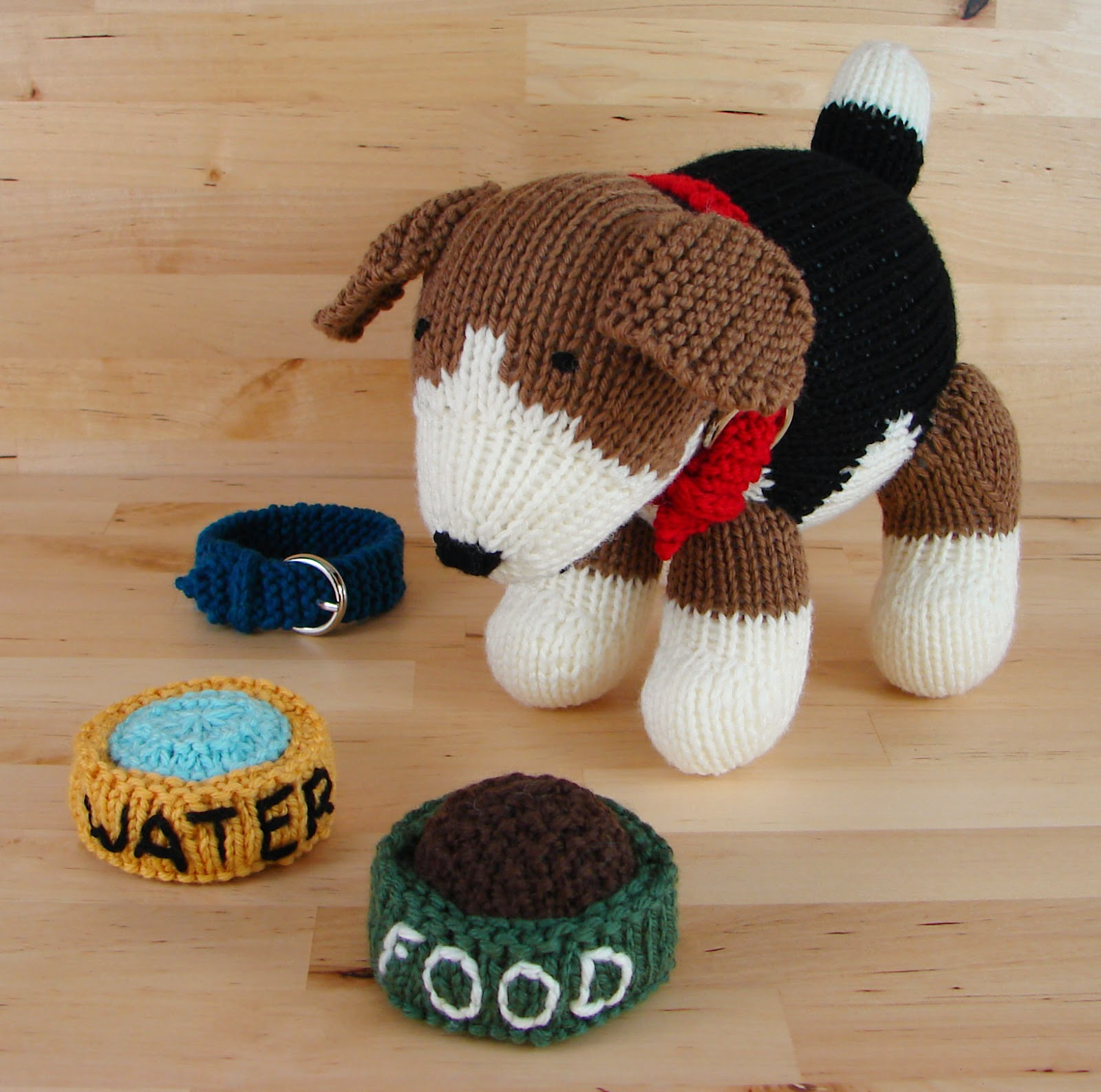 knit beagle dog toy stuffed food water dishes pattern