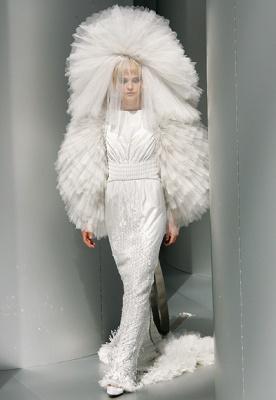 И напоследок я хочу показать Вам самое дорогое свадебное платье в мире