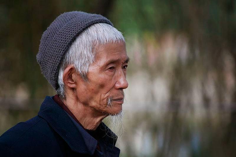 Steve Evans' photo, Liao Yiwu, Prowadzący umarłych, Okres ochronny na czarownice, Carmaniola