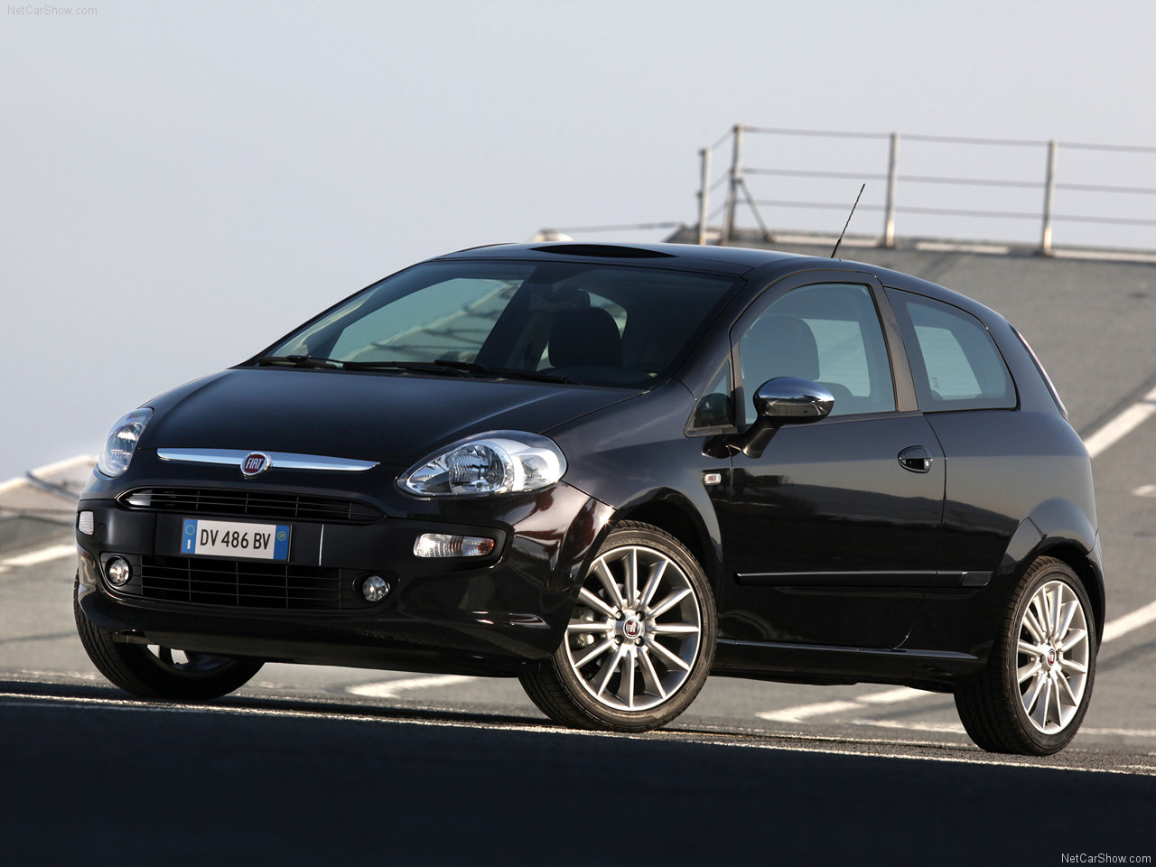 2010 fiat punto evo. Black Bedroom Furniture Sets. Home Design Ideas