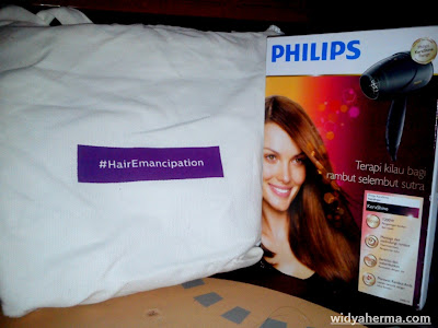 Hair Emancipation dengan Philips KeraShine Hairdryer HP8119