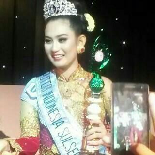 Gambar foto cantik putri indonesia 2015 Elvira Devinamira