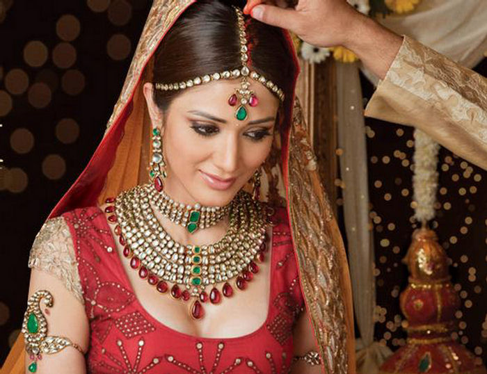 Indian Bridal Hairstyles ~ Bridal Wears