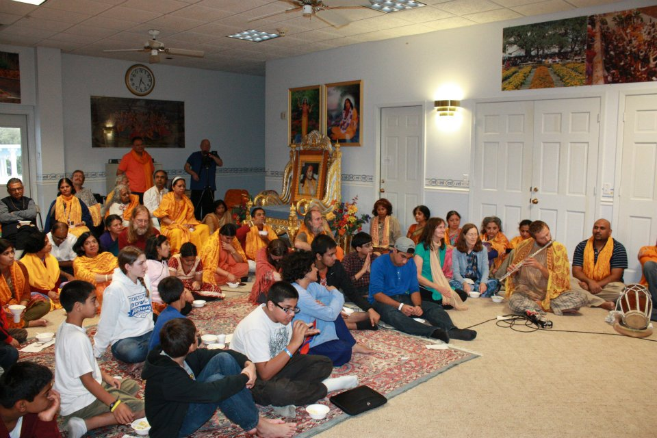 Thanksgiving retreat with Siddheshvari Devi at Radha Madhav Dham 17