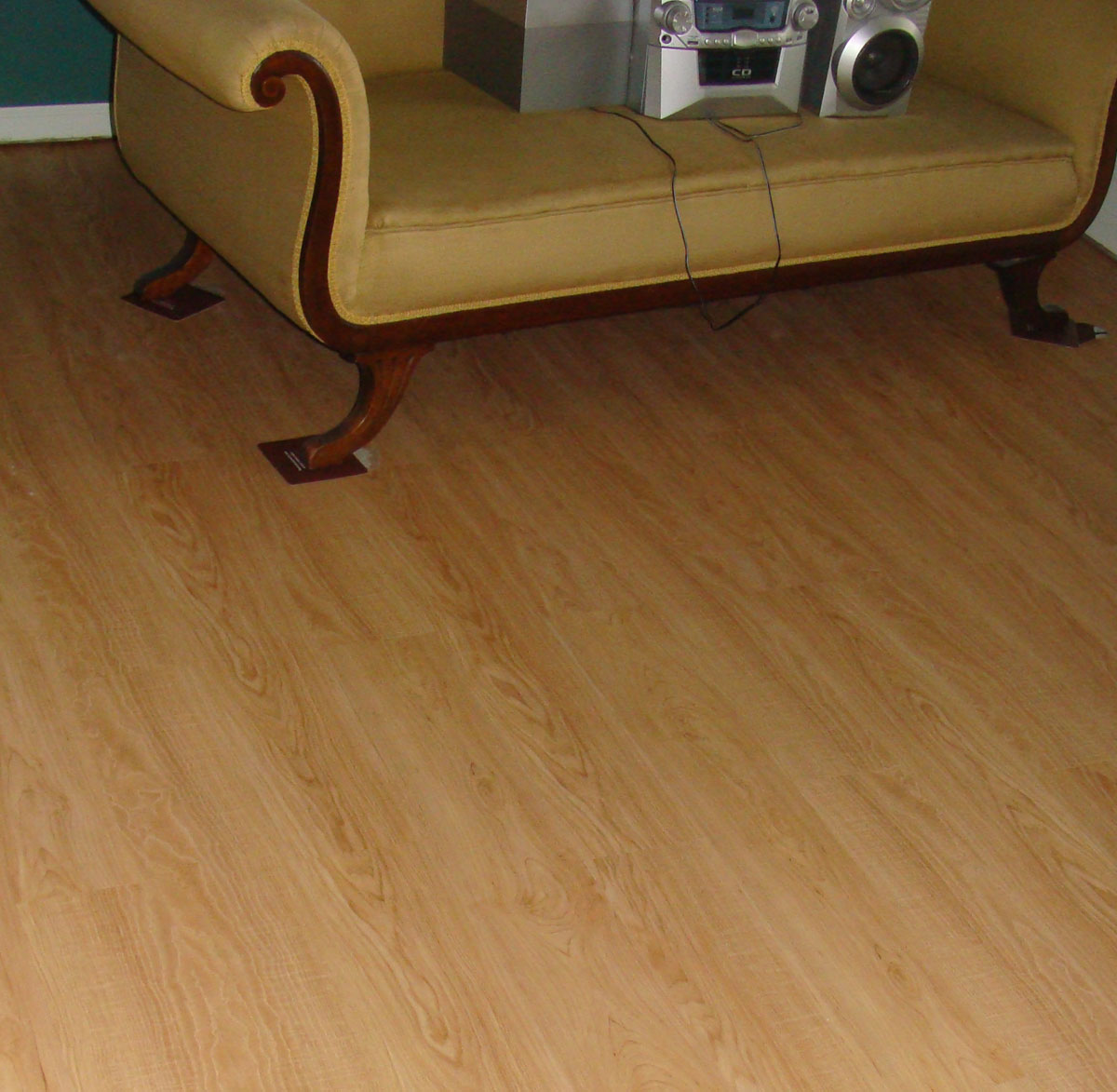 Kacies kreations allure floor in living room for Allure flooring