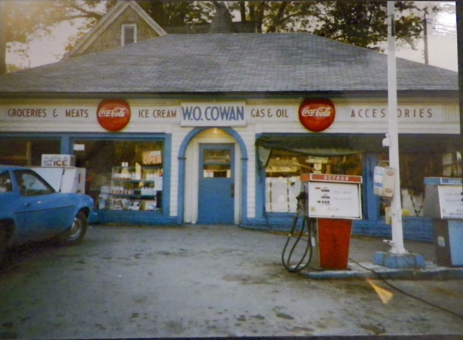 Ohio columbiana county rogers - This Photo Was Taken Sometime In The Mid 1970 S The Gas Pumps Have Been Moved The Sign Over The Door Now Just Says Cowans But The Coke Signs Are Still