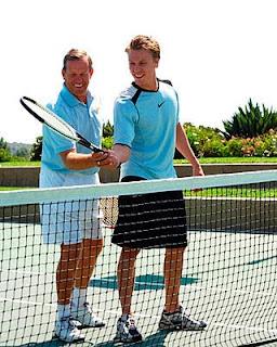 jugar tenis