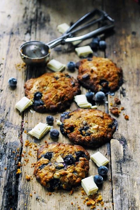 Cookies muesli chocolat blanc et myrtilles pour une faim d'après-midi…