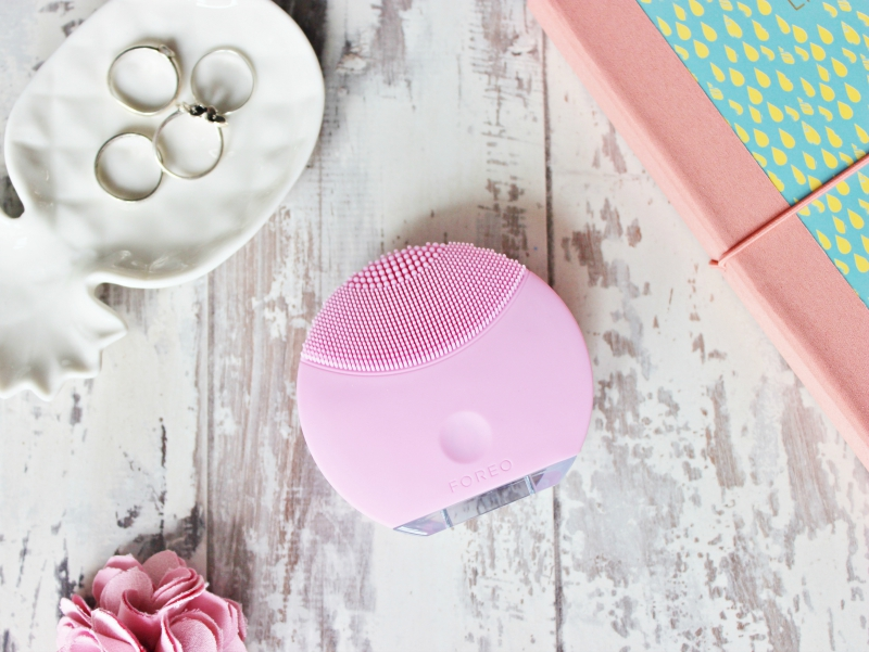 Foreo Luna Mini in light pink