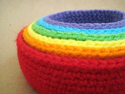 free rainbow nesting bowl crochet pattern