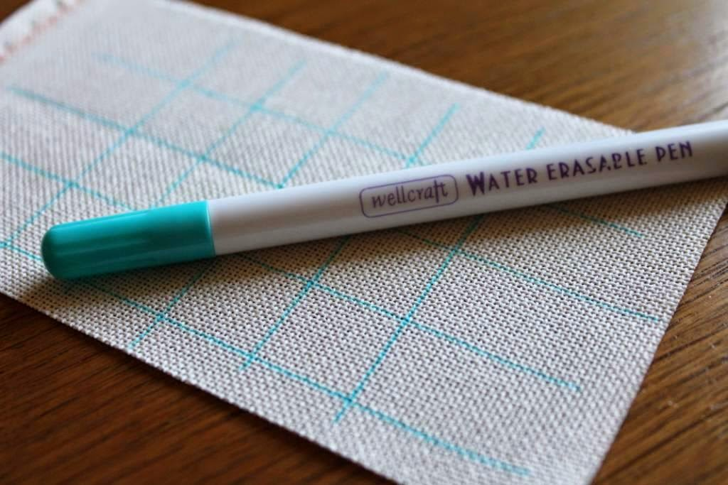 разметка маркером, голубой маркер