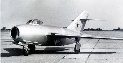 Серийный истребитель МиГ-15