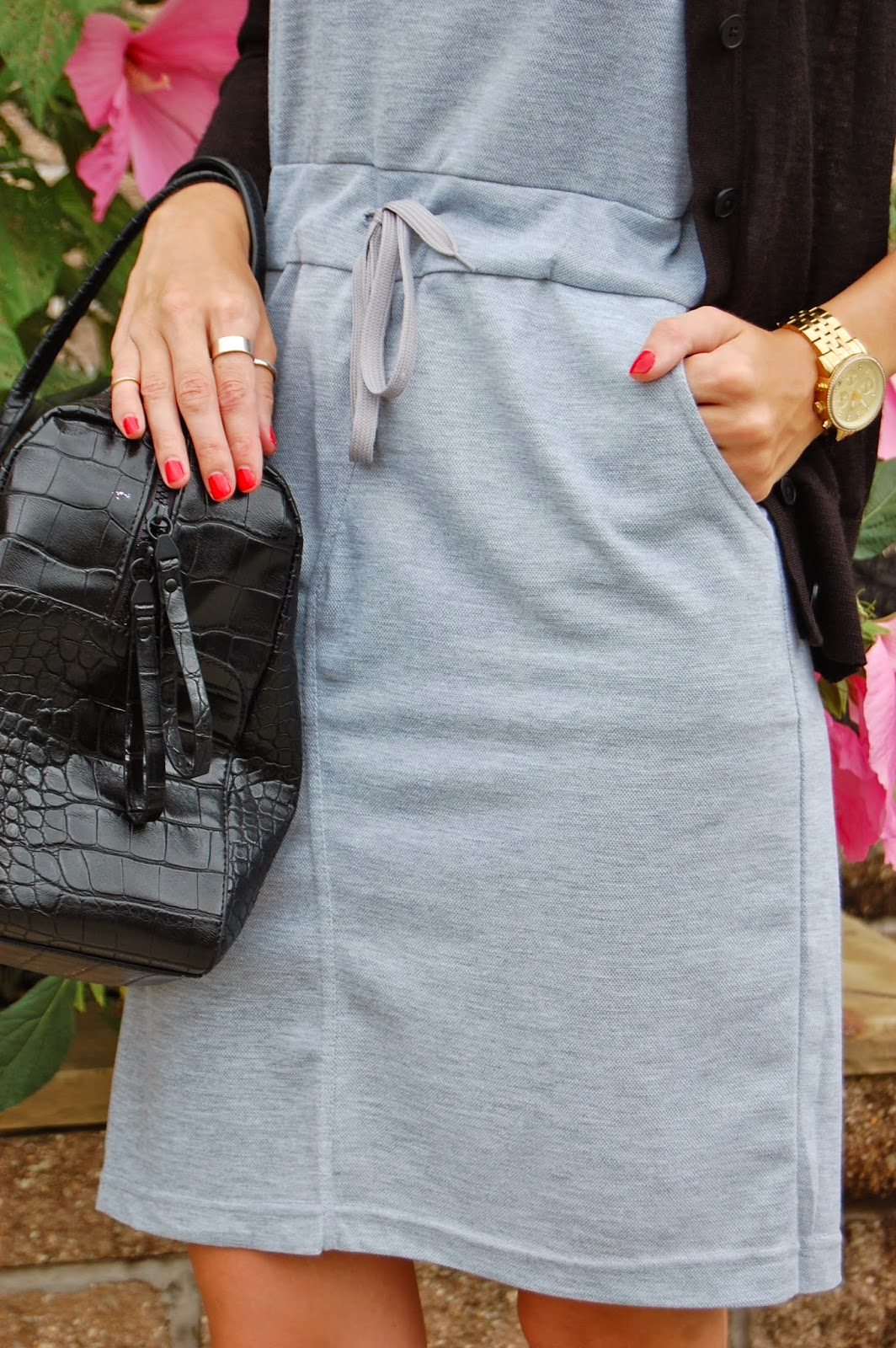 Wearing Sheinside Grey Sleeveless Drawstring Slim Pockets Dress, Casual weekend outfit, converse sneakers