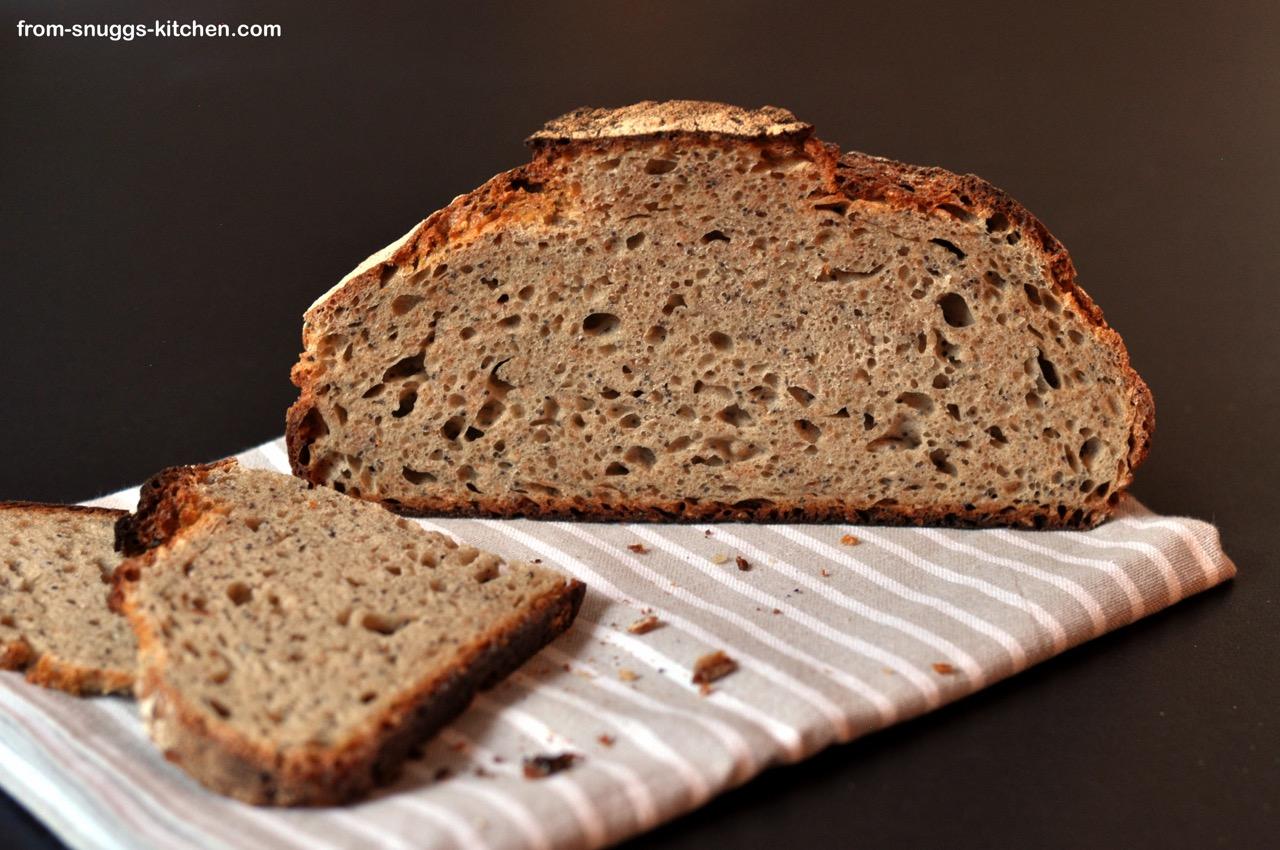 Dinkel Roggen Brot mit Dickmilch