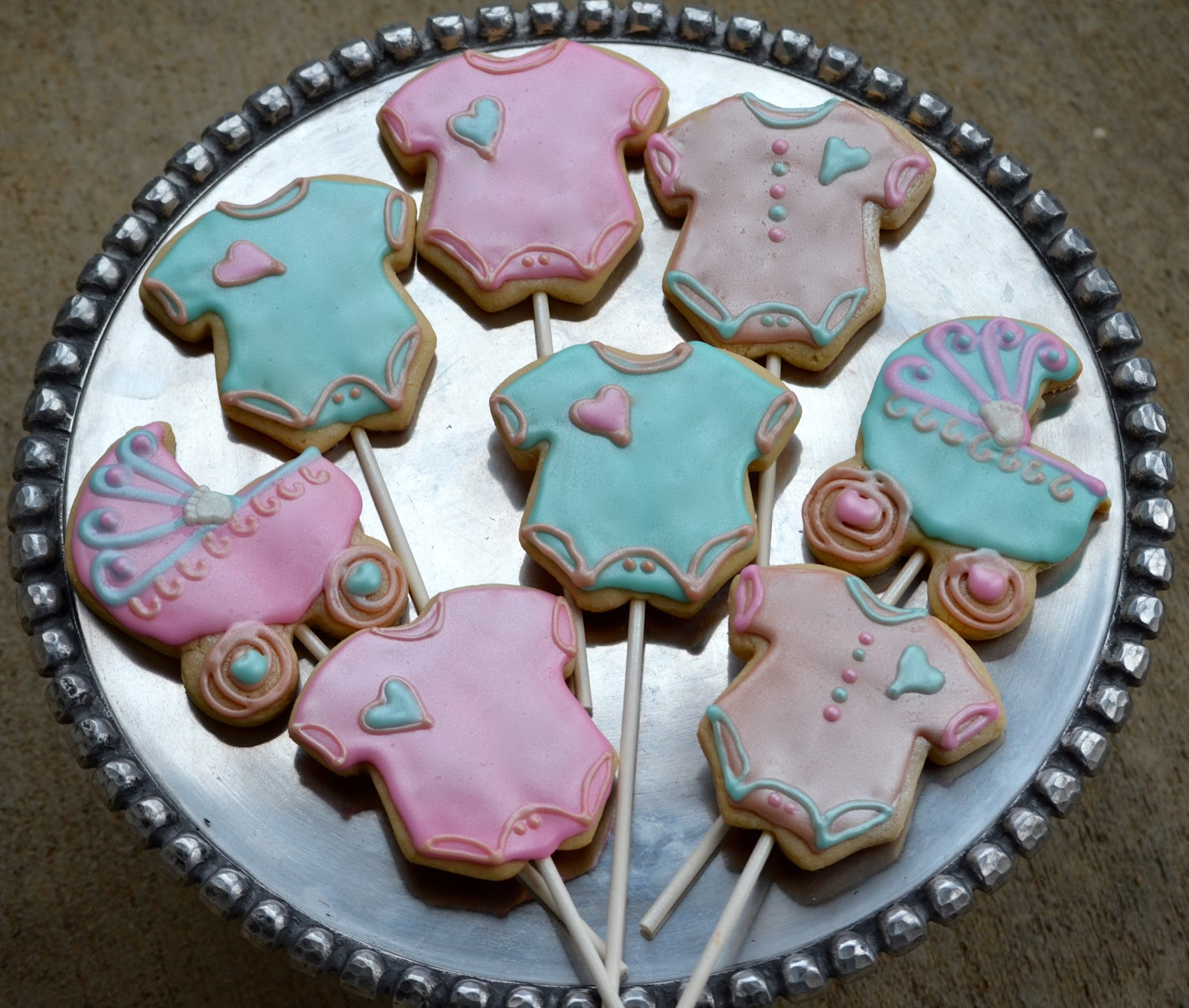 Traylor Made Treats Baby shower cookies