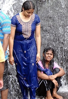 indian girl wet dress