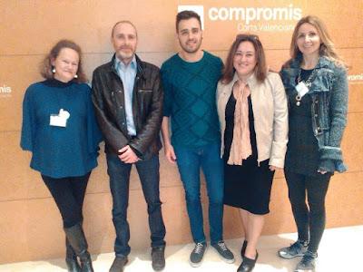 El diputado Fran Ferri con miembros de AVAEC