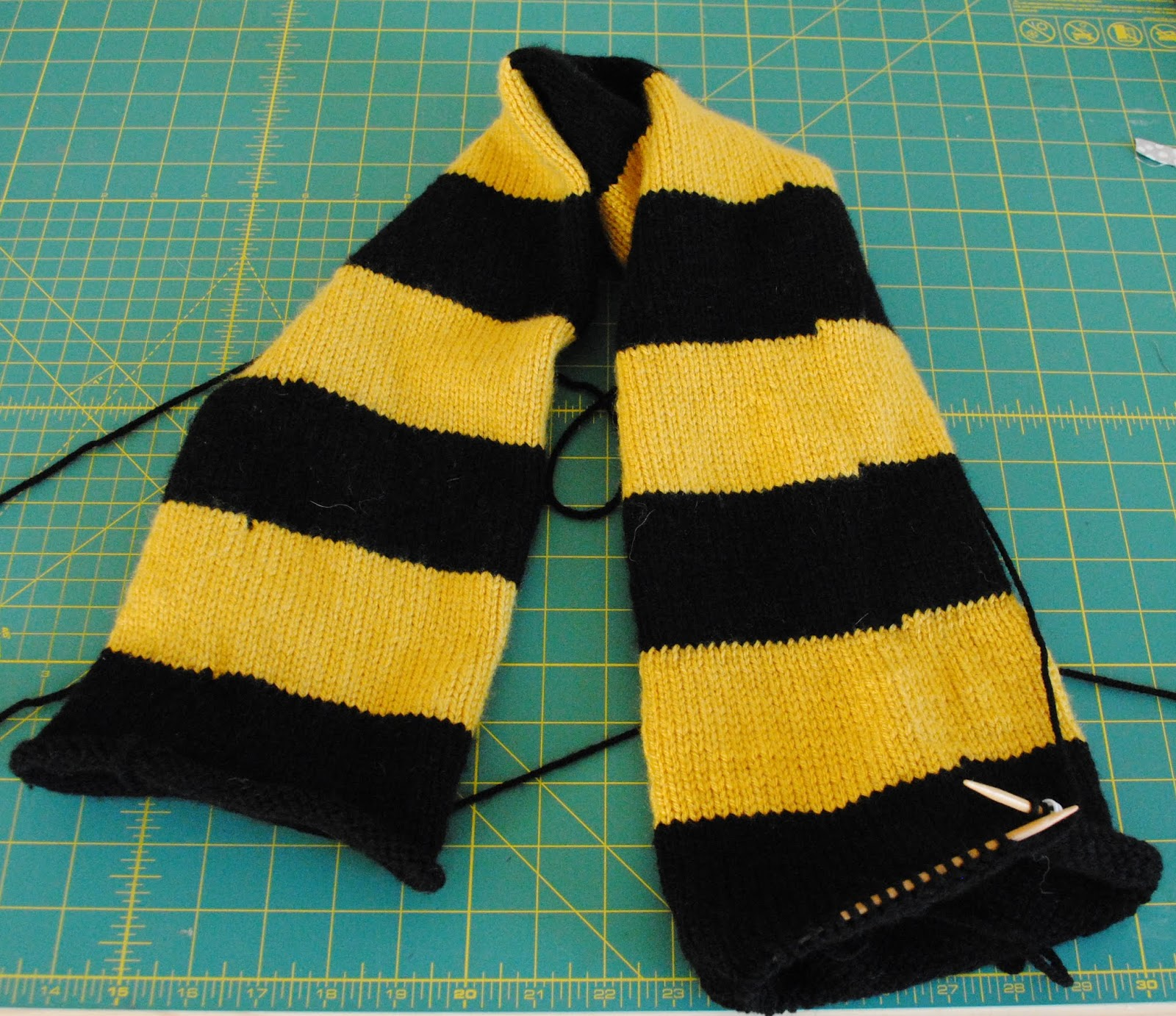 hufflepuff harry potter scarf