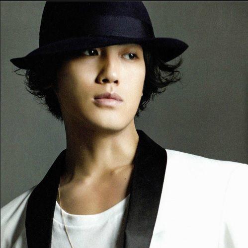 http://3.bp.blogspot.com/-rqbIEOVLrvY/Ugt7xMRdWPI/AAAAAAAAJr8/vVWH3Tgb6JY/s1600/%5BBOOKLET%5D+Jin+Akanishi+-+Hey+What%27s+Up+(8).jpg
