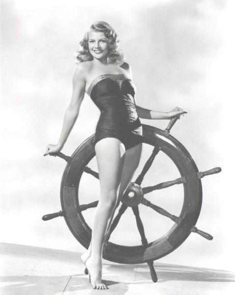 Купальный костюм 1940-50.