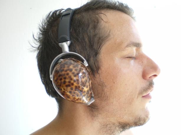 Fone de ouvido reproduz silêncio