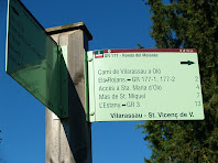 Indicador de camins a la sortida de Vilarassau