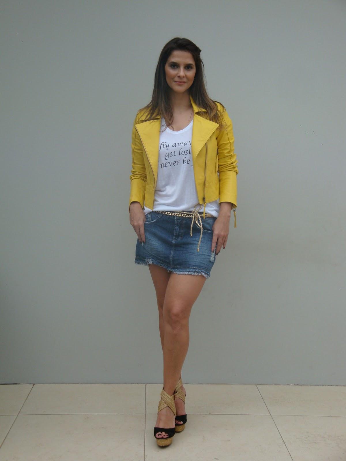 http://3.bp.blogspot.com/-rqr4wXzLi6w/T2OWeqbASEI/AAAAAAAAKs4/kOWiUVuvJ8s/s1600/jaqueta+couro+color+amarela.JPG
