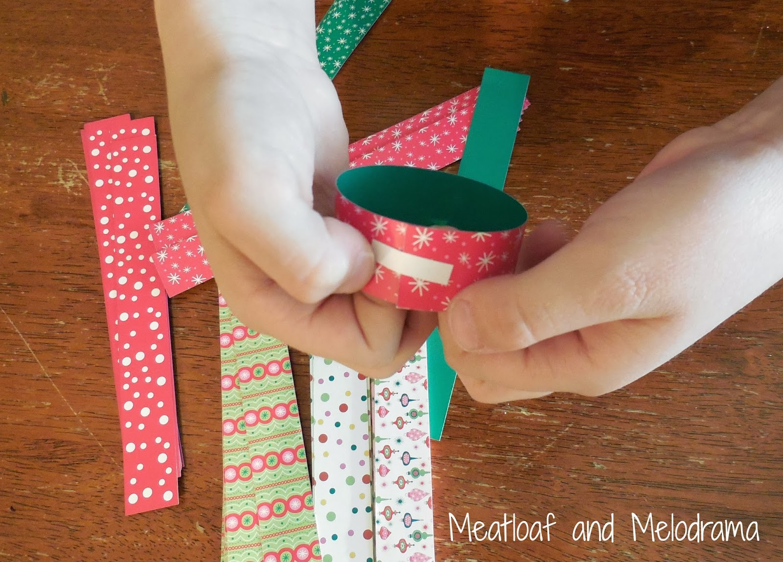 Christmas craft paper chain links