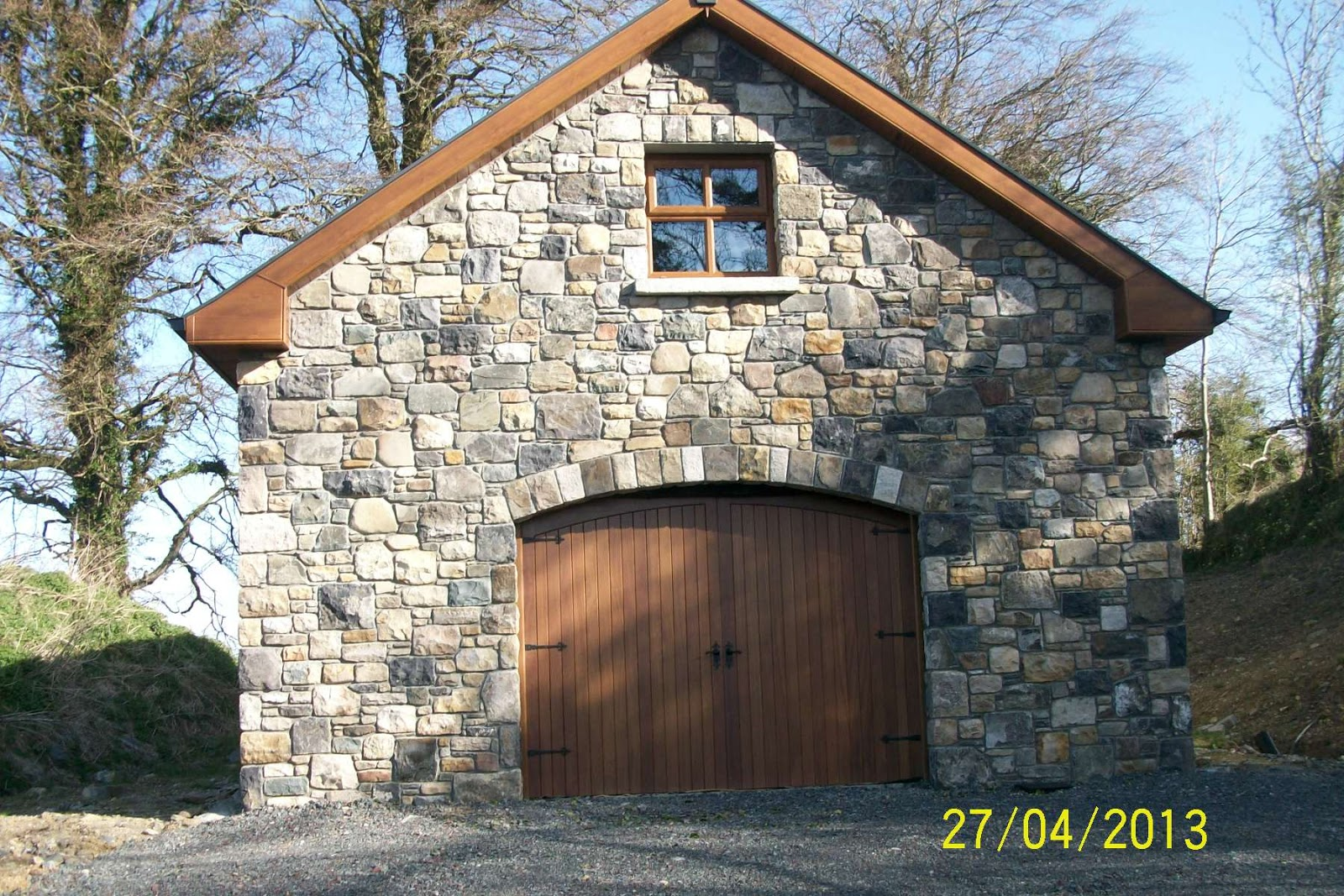 Stone restoration and conservation mccabe masonry cavan for Stone garage designs