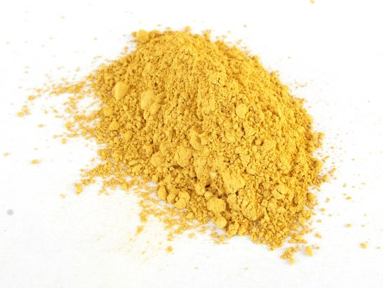 Il pigmento giallo ricavato dalla terra colorante di Le Pescine raccolta nel tumulo