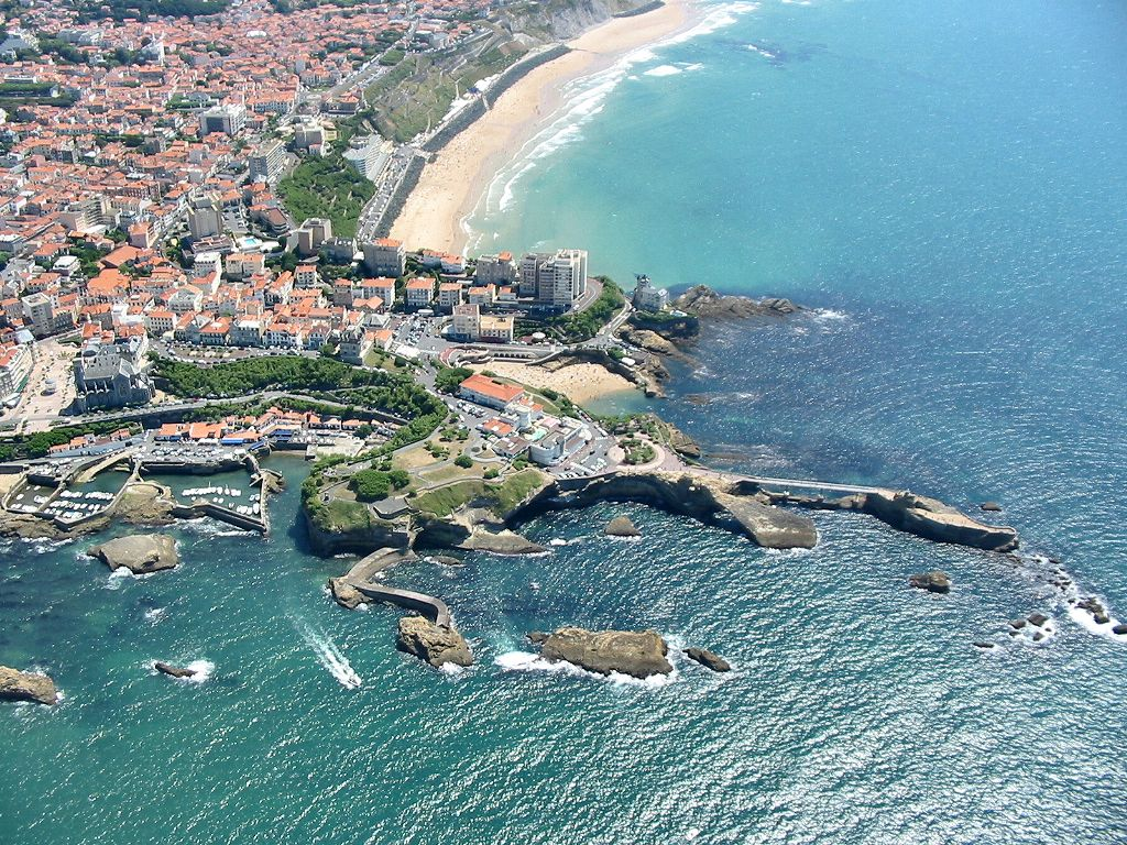 full picture biarritz france