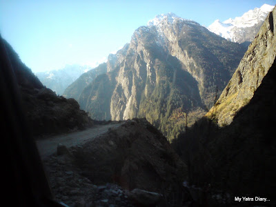 Bumpy roads encountered during the drive from Badrinath towards Joshimath